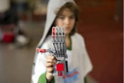 Students Print Prosthetics Using 3D Printer
