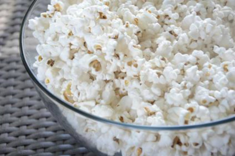 Popcorn to eat while watching the best movies