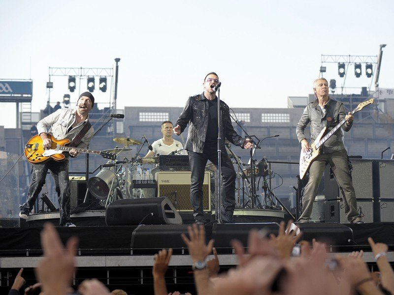 U2+Background+and+Tour
