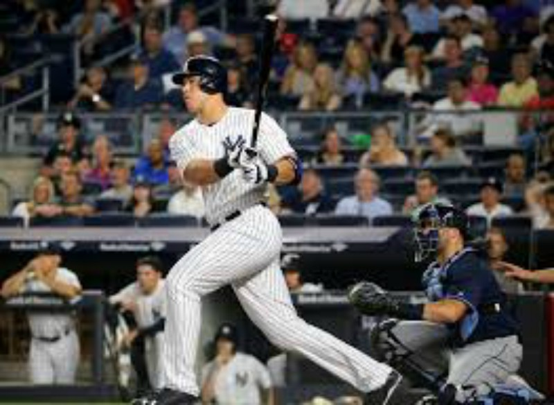 Aaron+Judge+at+bat