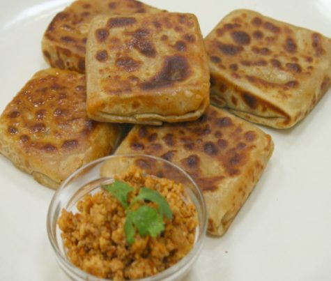 7 Famous Dishes of Delhi People Must Try
