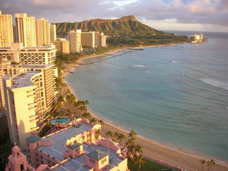 A+great+view+of+the+beach+and+resorts+at+Waikiki+Beach.+