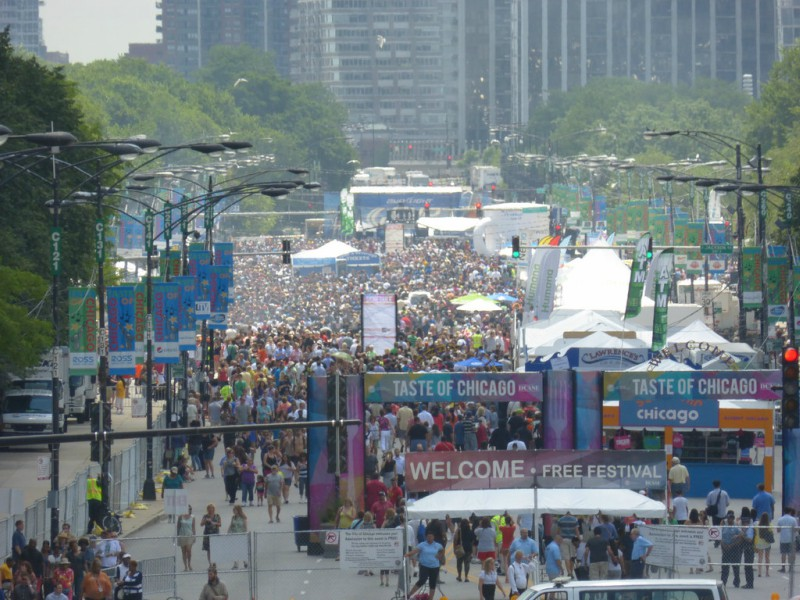 View+of+the+Taste+of+Chicago+festival.+