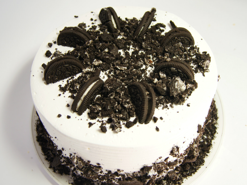 A+picture+of+an+oreo+cookie+cake.+