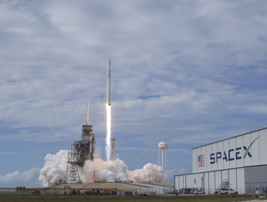 CAPE+CANAVERAL%2C+FL+-+JUNE+03%3A++In+this+handout+provided+by+the+National+Aeronautics+and+Space+Administration+%28NASA%29%2C+the+SpaceX+Falcon+9+rocket%2C+with+the+Dragon+spacecraft+onboard%2C+launches+from+pad+39A+at+NASA%27s+Kennedy+Space+Center+on+June+3%2C+2017+in+Cape+Canaveral%2C+Florida.+Dragon+is+carrying+almost+6%2C000+pounds+of+science+research%2C+crew+supplies+and+hardware+to+the+International+Space+Station+in+support+of+the+Expedition+52+and+53+crew+members.+The+unpressurized+trunk+of+the+spacecraft+also+will+transport+solar+panels%2C+tools+for+Earth-observation+and+equipment+to+study+neutron+stars.+This+will+be+the+100th+launch%2C+and+sixth+SpaceX+launch%2C+from+this+pad.+Previous+launches+include+11+Apollo+flights%2C+the+launch+of+the+unmanned+Skylab+in+1973%2C+82+shuttle+flights+and+five+SpaceX+launches.+%28Photo+by+Bill+Ingalls%2FNASA+via+Getty+Images%29