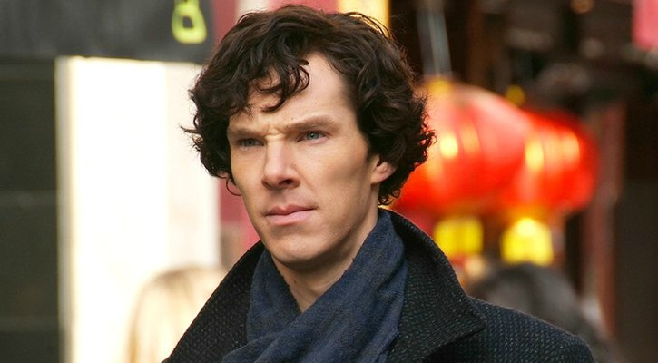 Benedict+Cumberbatch+in+action+filming+the+tv+show+he+started+in+Sherlock+Holmes.