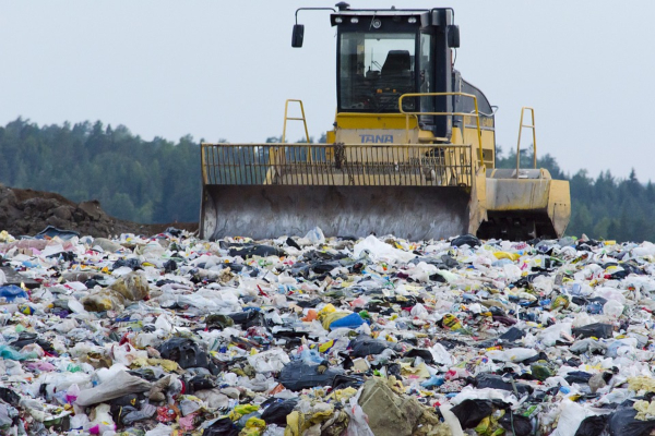 Malaysia is returning plastic waste from foreign countries back to their origin.