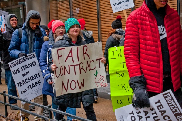 Chicago teachers want a good contract, and the students want them to have a good contract too, so they can go back to school