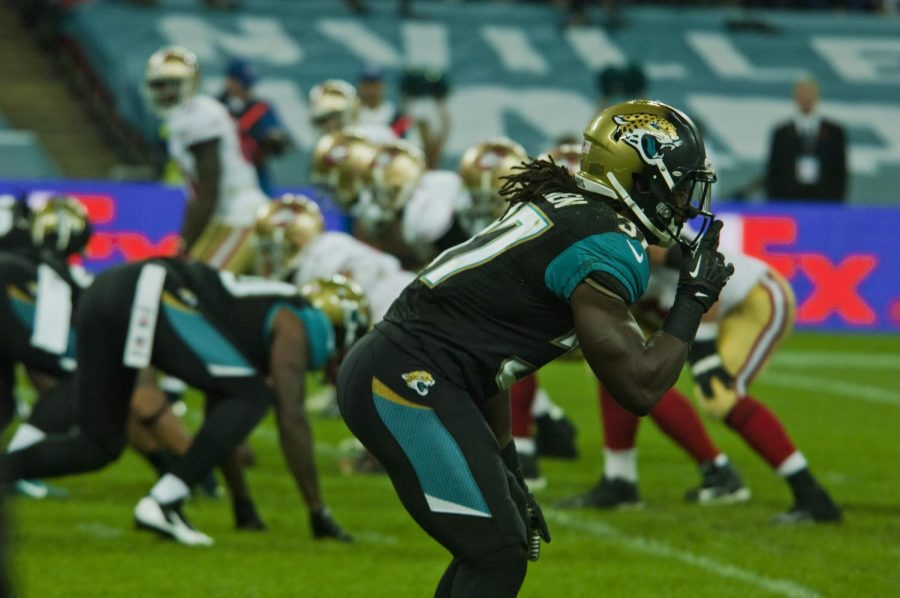 The+Jacksonvilee+Jaguars+setting+up+to+play+the+sport+they+are+known+for