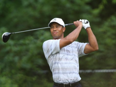 Tiger Woods gets injured in a car accident